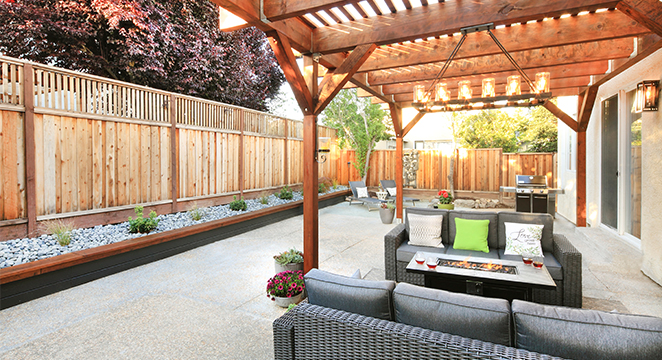 Redwood Backyard Retreat in Windsor, CA