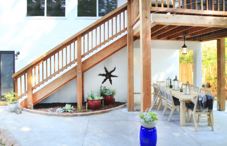 Redwood Deck with Two Levels for Outdoor Entertaining