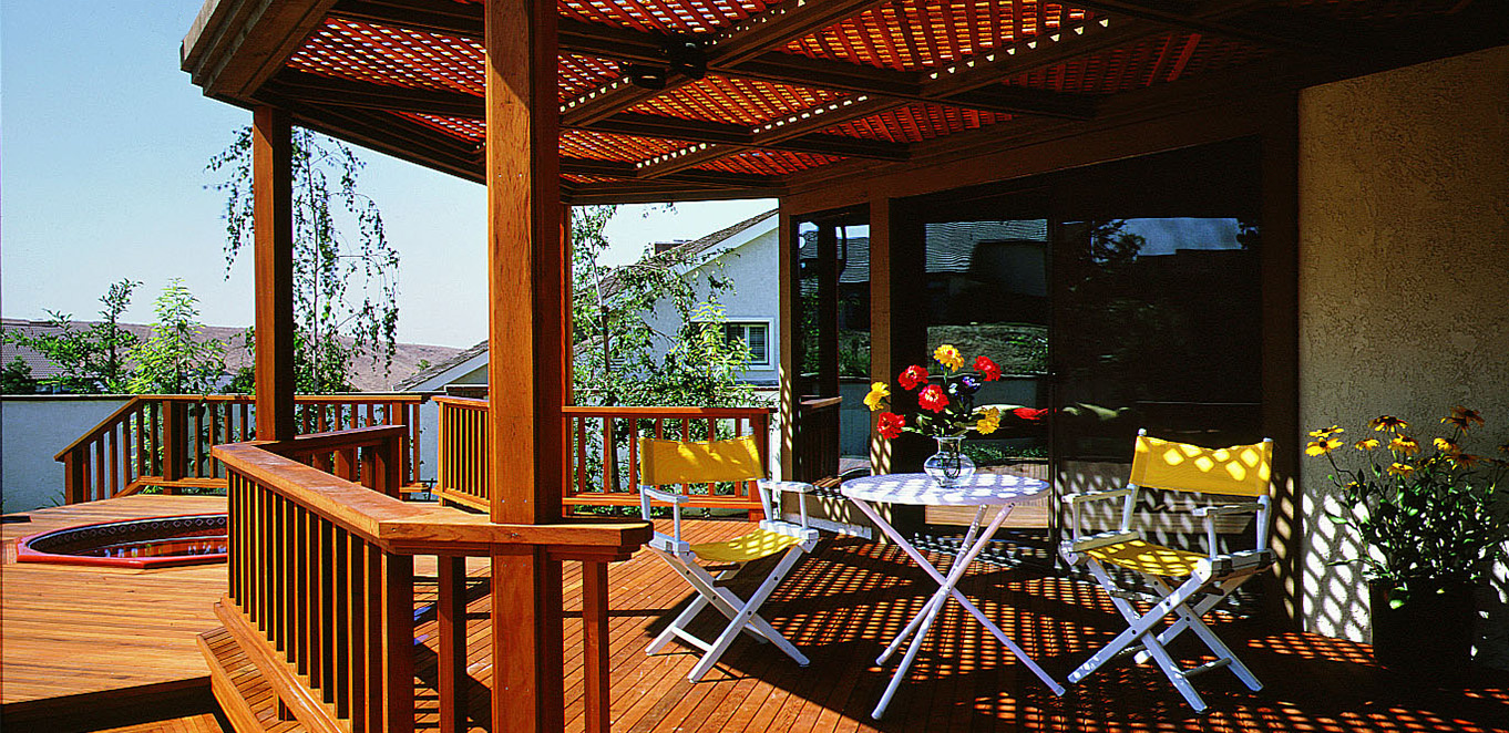 Humboldt Redwood Deck with Lattice Shade Structure
