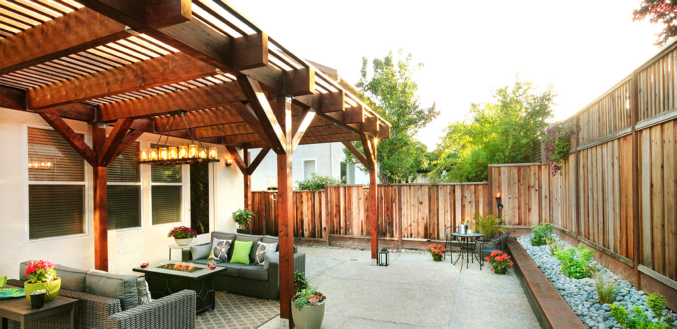 Humboldt Redwood Pergola in Windsor, California